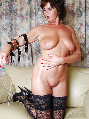 be defective mature mom solo porn photo