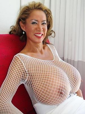 super-sexy solo mature pussy
