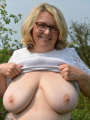 slutty outdoor adult porn foto