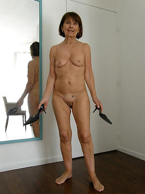 spectacular mature nylon legs homemade porn