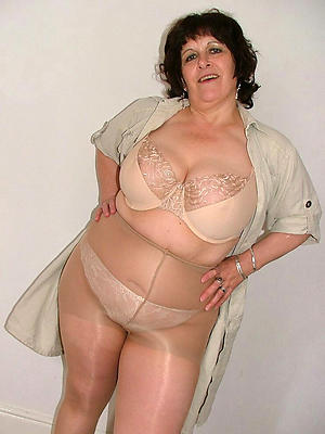 gorgeous mature ladies fro pantyhose homemade porn pics