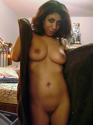 sexy hatless mature indian women pics