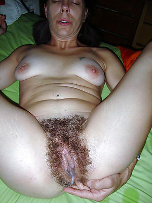 free pics for mature hairy creampie