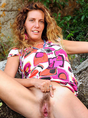 porn pics of natural mature pussy
