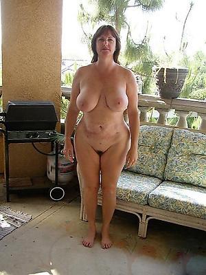 free pics of mature tits outdoors