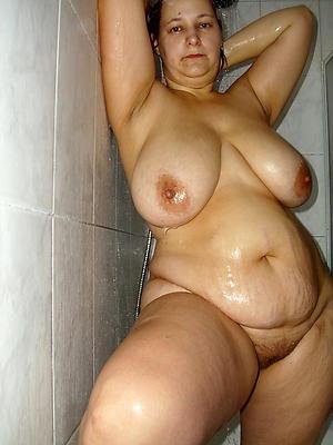 porn pics of mature women shower