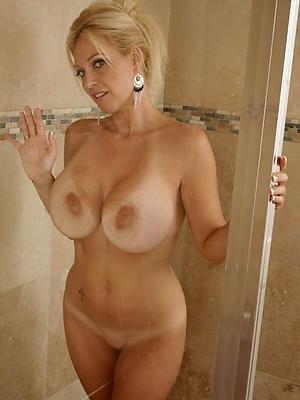 naught mature shower pics