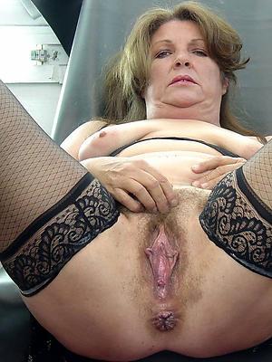 porn pics of mature natural tit porn