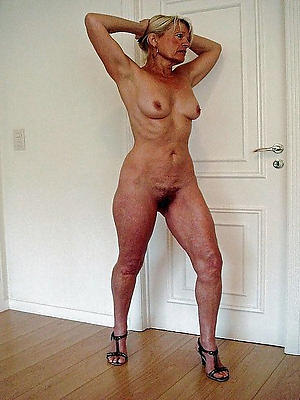 sexy mature nude model