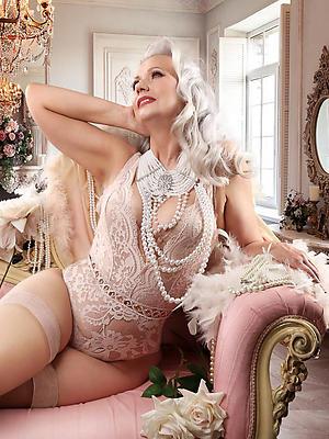 free pics of nude mature models
