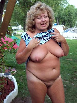 beautiful chubby naked mature women pics