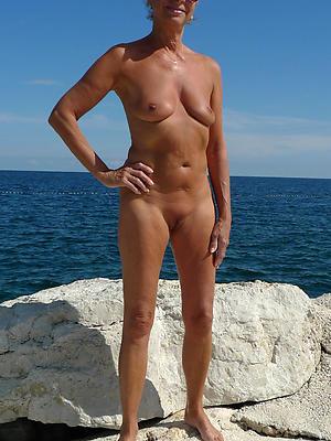 gorgeous mature beach nudes porn pics