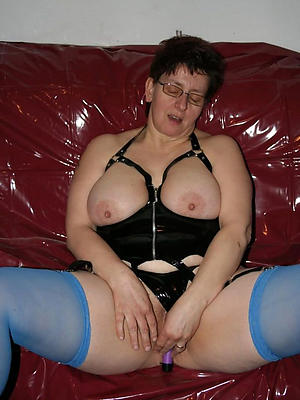 Bohemian pics of mature brunette porn