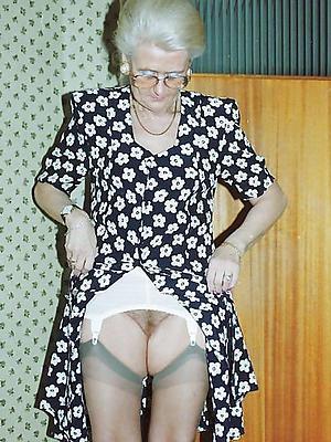 horny granny posing nude