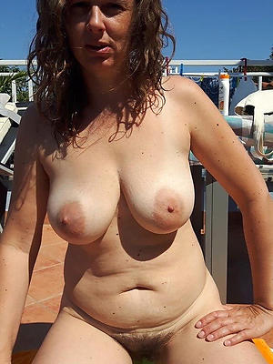 whorish recklessness 40 pussy nude pics