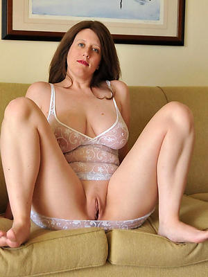 nude over 40 pussy leafless