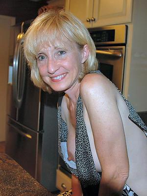 xxx aged lady naked photos