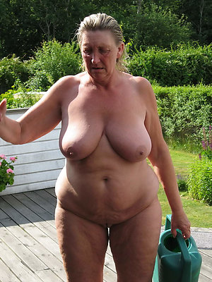 free pics of fat naked grown up women