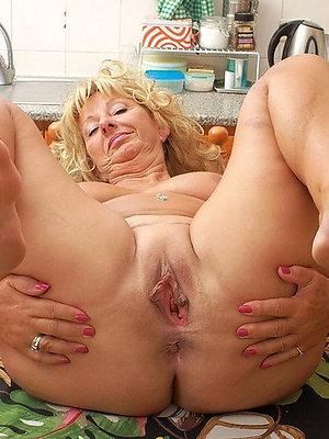 fantastic mature woman fingertips porn