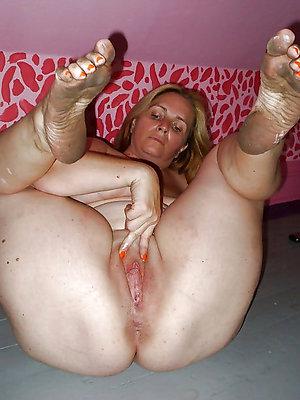 nasty hot mature feet gallery