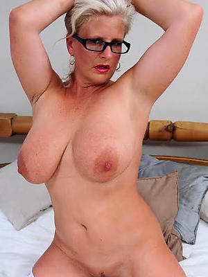 beautiful grown-up with glasses porn pics