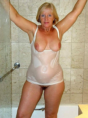 porn pics of busty mature shower