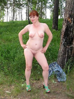 beautiful mature woman in heels nude pics