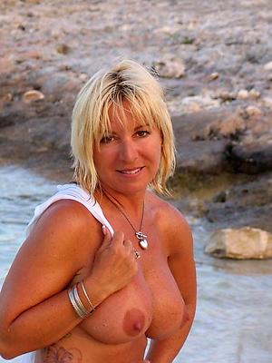 porn pics of naked mature beach