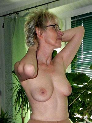 whorish mature over 50 naked pics