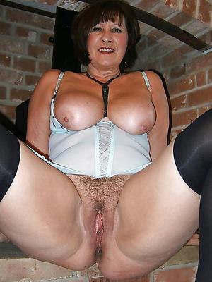 porn pics of adult brunette women