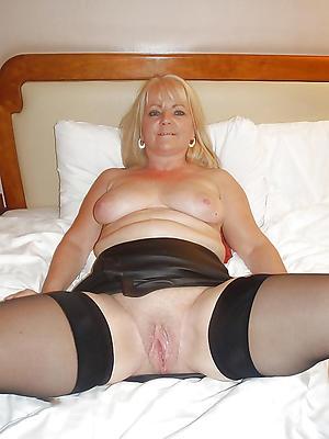 close up shop mature nude girlfriends porn pics