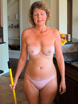 porn pics of grown-up unfold moms