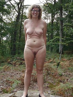 mature outdoor pics