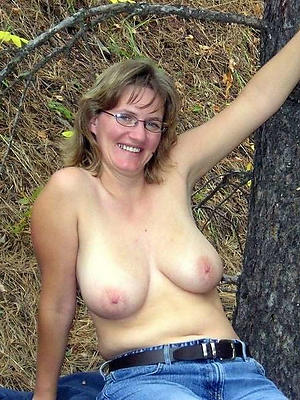 free pics of outdoor mature pussy