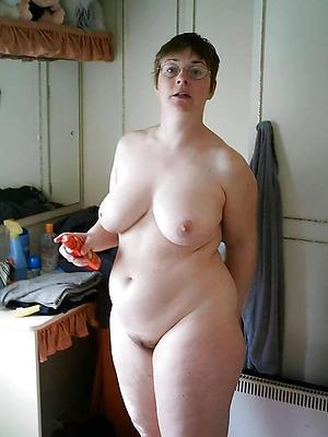 slutty solo mature women nude pics
