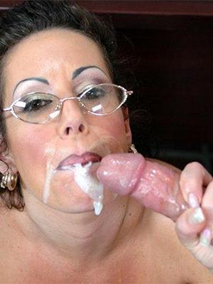 beautiful mature pussy cumshot pics