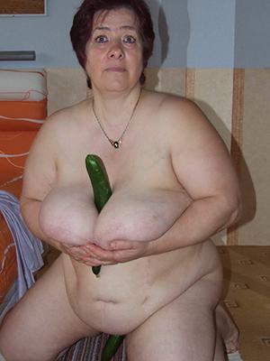 sexy fat mature women pics