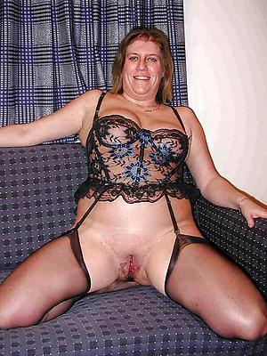 unorthodox pics of real naked mature women