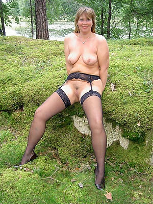 porn pics of mature open legs