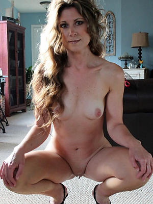 free mature pussy milf lay bare