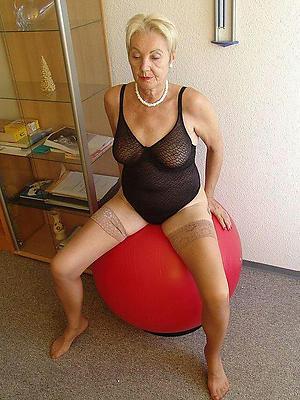whorish old women pussy nude pics