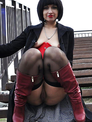 xxx mature nipper upskirt bare-ass pics