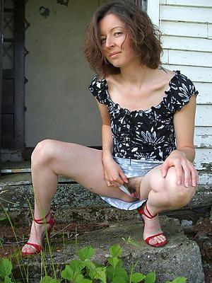 mature panties upskirt