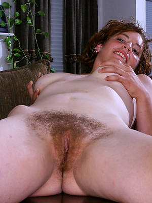 natural unshaved mature women stripped