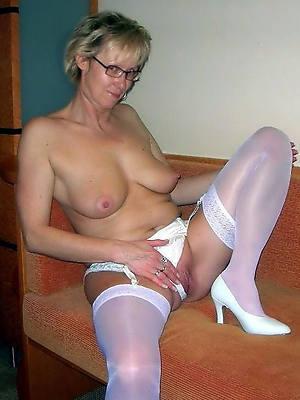 naught mature high heels nude photos