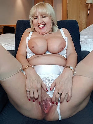 free pics of adult pussy mom