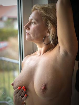 porn pics of mature erotic woman