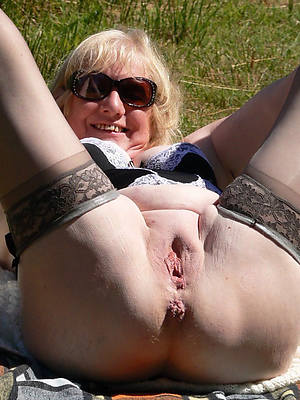 beautiful mature tits solo naked pictures