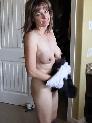 naught mature tits solo nude photo