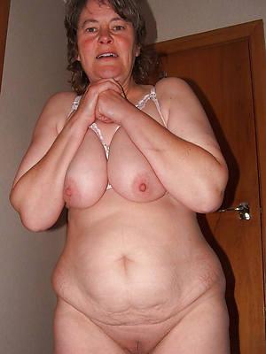 mature tits solo nude photos